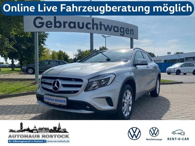 Mercedes-Benz GLA 180 Style DCT AHK RFK SHZ, Jahr 2015, Benzin
