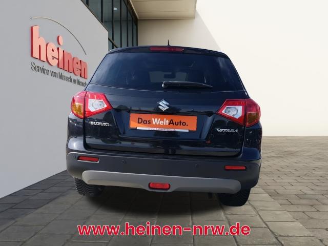 Suzuki Vitara 1.6 Comfort+ 4x2 NAVI LEDER PANORAMA, Jahr 2017, Benzin