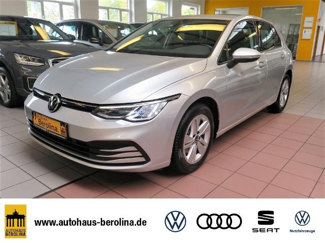 Volkswagen Golf VIII 1.0 TSI *LED*SHZ*PDC+*APP-CON*, Jahr 2020, Benzin