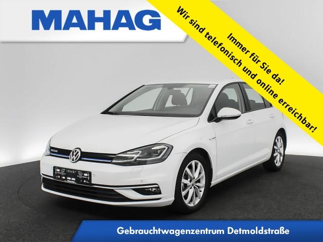 Volkswagen Golf VII 1.5 TSI Highline Navi LED Sitzhz. ParkPilot FrontAssist 17Zoll 6-Gang, Jahr 2019, Benzin
