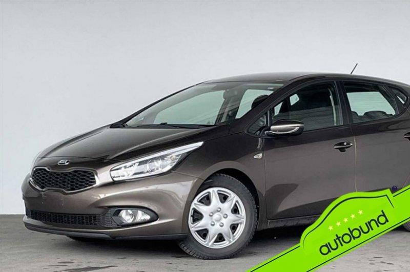 Kia cee'd Ceed II 1,6 Klima Einparkhilfe hinten, Jahr 2013, Benzin
