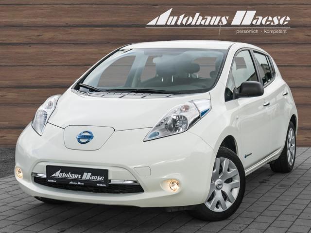 Nissan Leaf Acenta Navi Keyless Rückfahrkam. Multif.Lenkrad Klimaautom Temp CD AUX USB MP3, Jahr 2017, Elektro