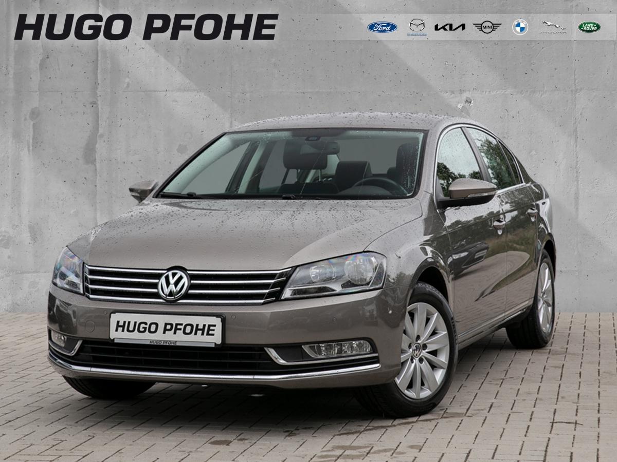 Volkswagen Passat Comfortline Parkass. Klimaaut. 1. Hand, Jahr 2014, Benzin