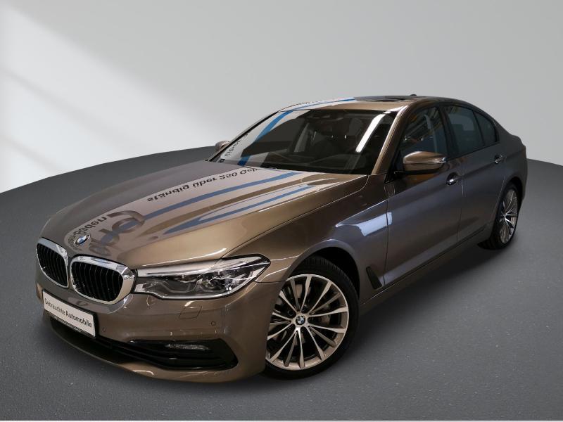 BMW 540i xDrive Sport Line TV Glasdach LED Kamera AHK Head Up Sitzlüftung Komfortsitze, Jahr 2017, Benzin