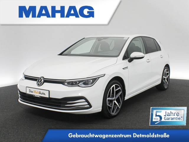 Volkswagen Golf VIII STYLE 1.5 TSI NaviPro LEDPlus HUD ParkLenkAssist RearView DAB+ Sprachbed. 18Zoll 6-Gang, Jahr 2020, Benzin