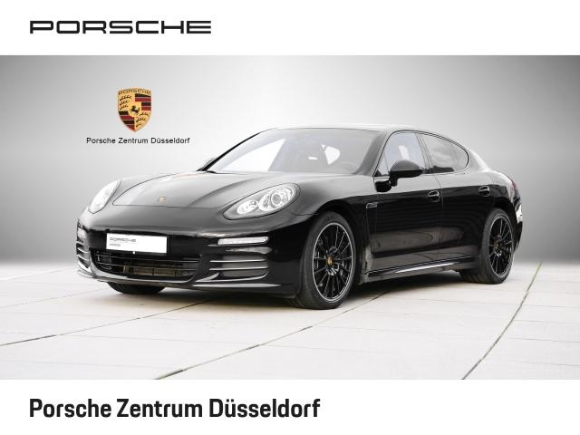 Porsche Panamera 4 Sport-Chrono SportabGasanlage Luftfederung, Jahr 2015, Benzin