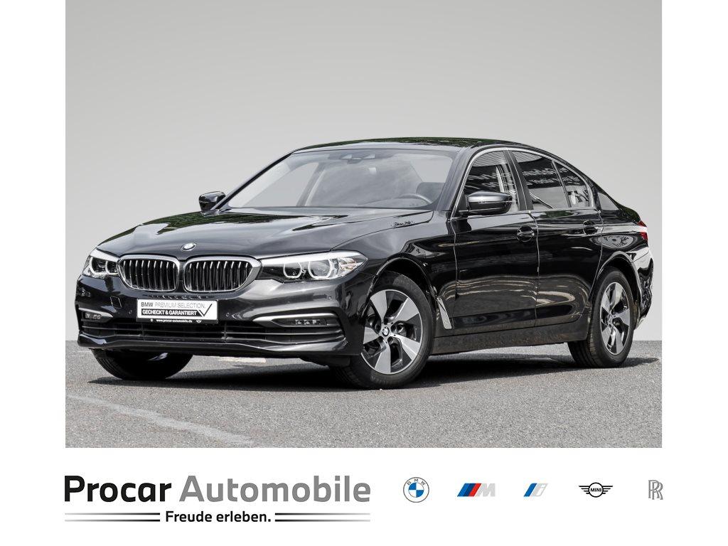 BMW 520i +A+LED+RFK+PARKASSISTENT+ELEKTRISCHE SITZE+SHZ++, Jahr 2019, Benzin