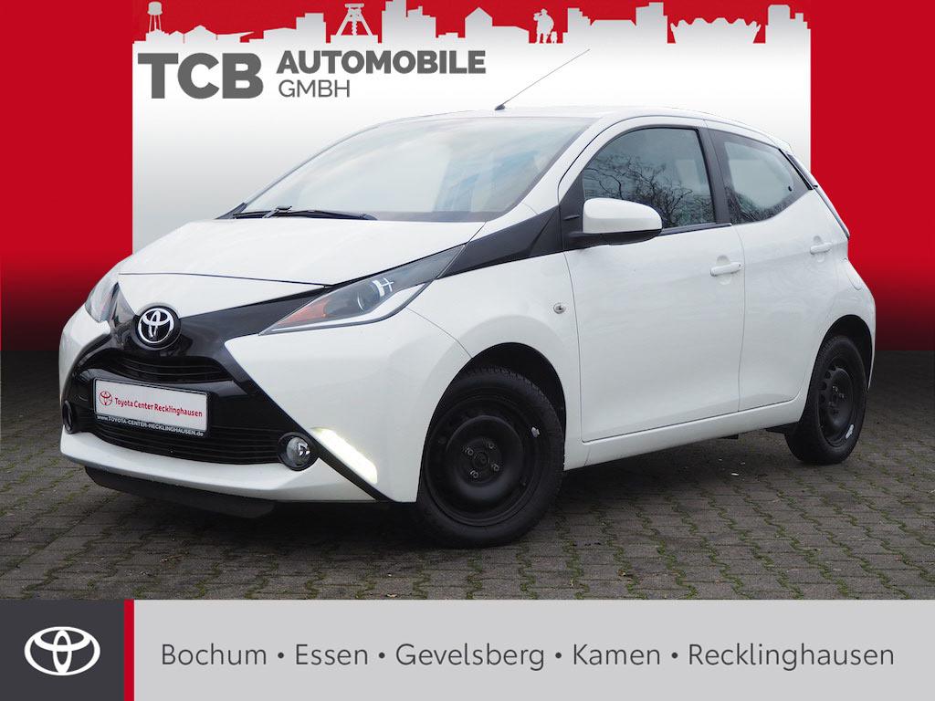 Toyota Aygo X-PLAY TOUCH 5 trg. *KAMERA KLIMA BT Radio, Jahr 2015, Benzin