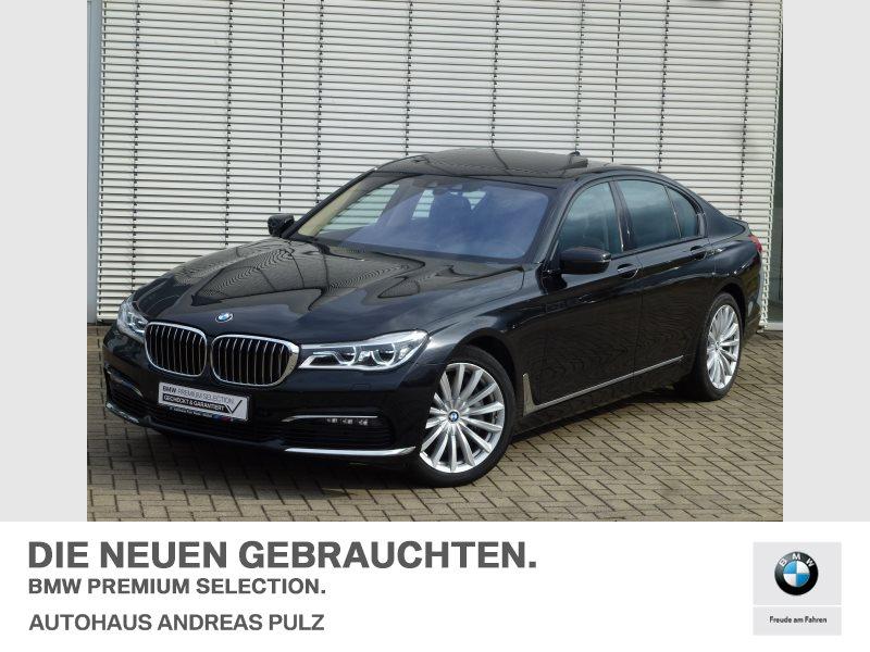 BMW 750d xDrive Harman/Kardon,Glasdach,Kamera,Massage-Komfortsitze,Standheizung,, Jahr 2017, Diesel