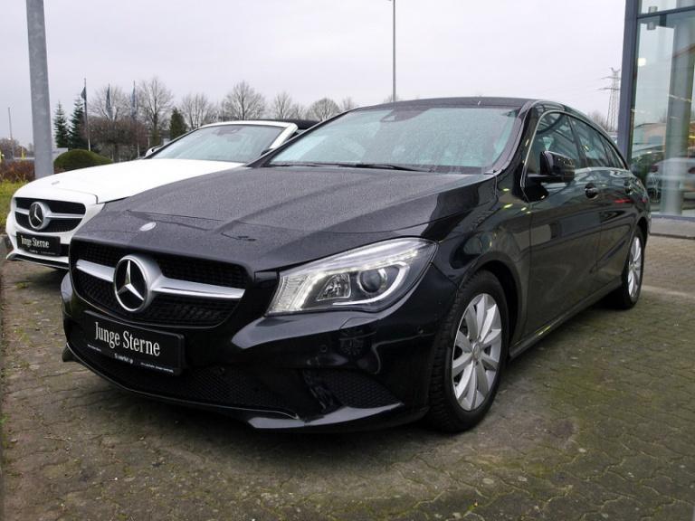 Mercedes-Benz CLA 220 CDI SB, Jahr 2015, Diesel