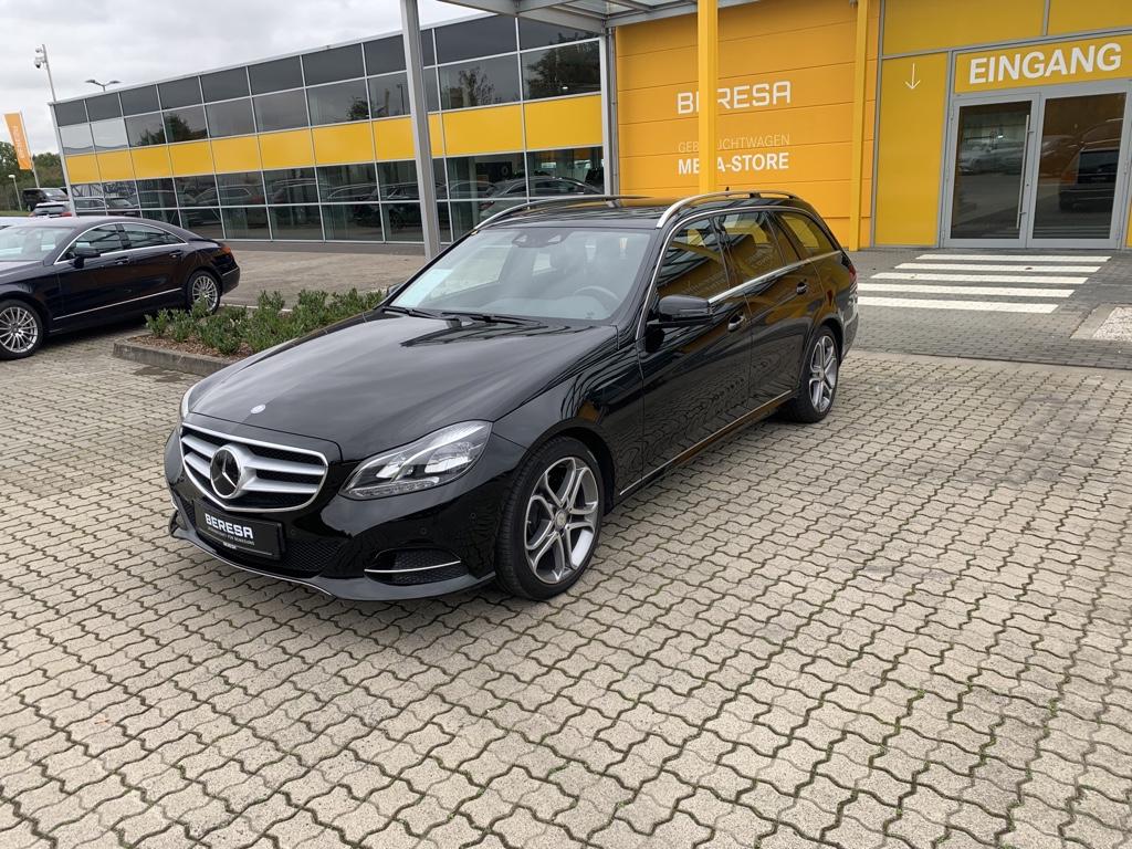 Mercedes-Benz E 300 BT T Sportpaket 18 Zoll Distronic SHD 9G, Jahr 2015, Diesel