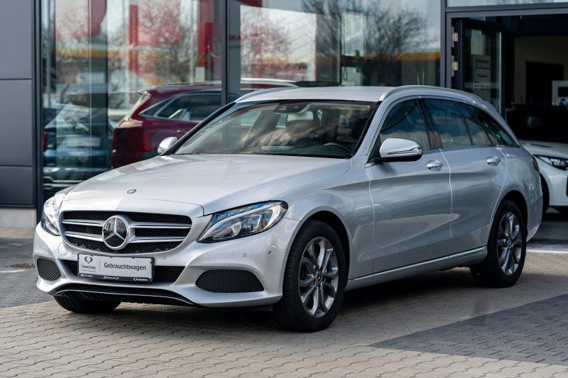 Mercedes-Benz C 220 d+4Matic T+Avantgarde+Command+Distronic+Winterkomplettradsatz+HU+Service+Garantie+, Jahr 2017, Diesel