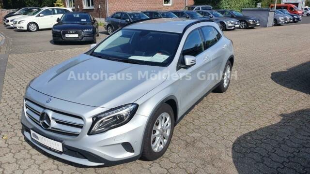 Mercedes-Benz GLA 200 *Garantie*Xenon*Navi*212 mtl., Jahr 2014, Benzin