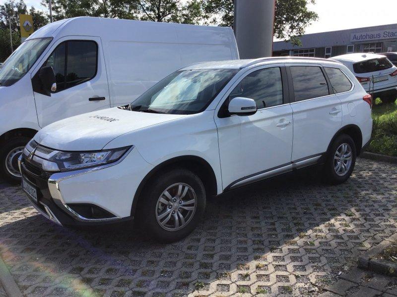 Mitsubishi Outlander 2.0 MIVEC Diamant Edition 2WD (EURO 6d-TEMP), Jahr 2019, Benzin