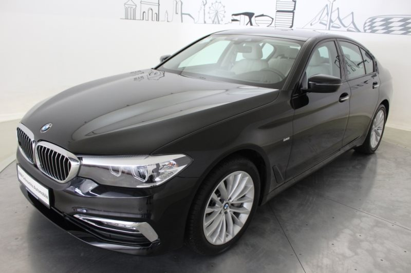 BMW 540i Limousine Luxury Line Head-Up RFK Shz PDC, Jahr 2017, Benzin