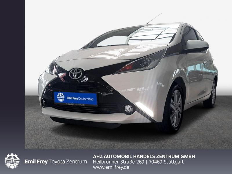 Toyota Aygo x-play Team D / Klima / Rückfahrk. / LM, Jahr 2018, Benzin