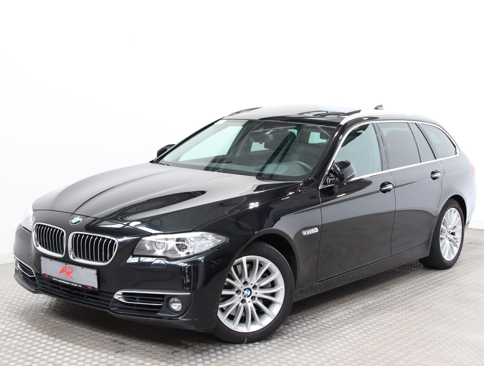 BMW 535 i T LUXURY SPORTSITZE,DIG.TACHO,HEADUP,PANO, Jahr 2014, Benzin