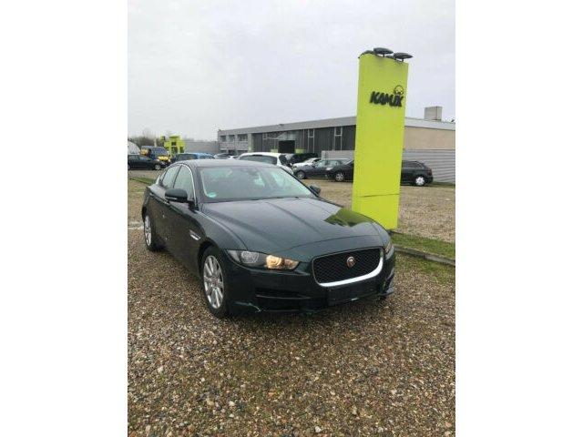 Jaguar XE 20d Automatik EU6 +Leder+Navi Incontrol+SHZ+, Jahr 2016, Diesel