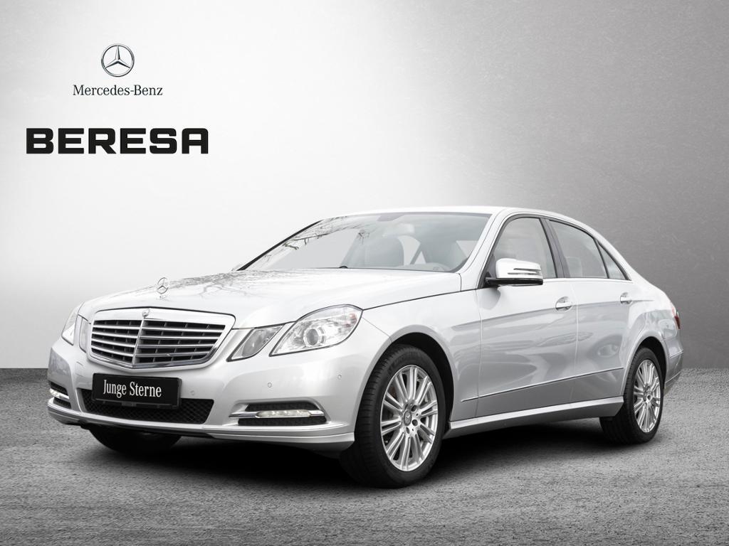 Mercedes-Benz E 200 Elegance Navi AHK PDC Klima, Jahr 2012, Benzin