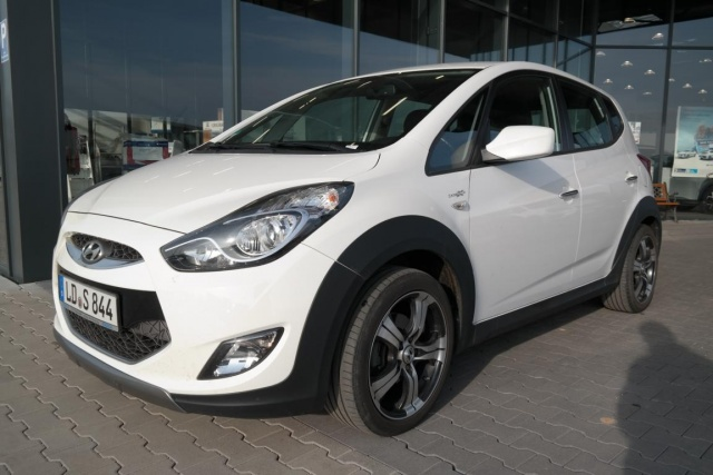 Hyundai ix20 1.4 Crossline KLIMA RADIOUSB ISOFIX BLUETOOTH, Jahr 2014, Benzin