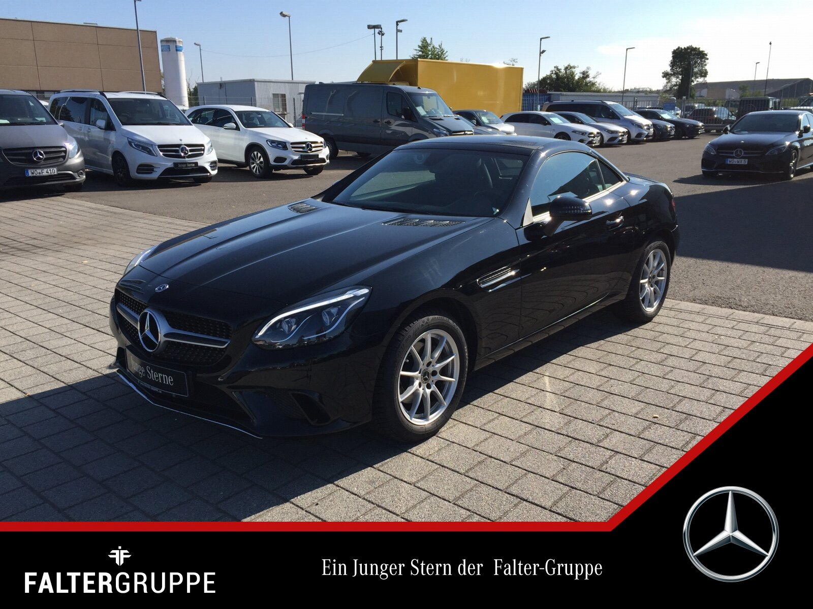 "Mercedes-Benz SLC 180 9G AIRSCARF Pano ILS VorrNavi PTS 17""SHZ, Jahr 2018, petrol"