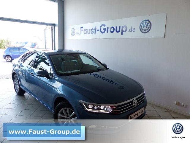 Volkswagen Passat Comfortline DSG UPE 44000 EUR Gar-12/22NAVI, Jahr 2017, Benzin