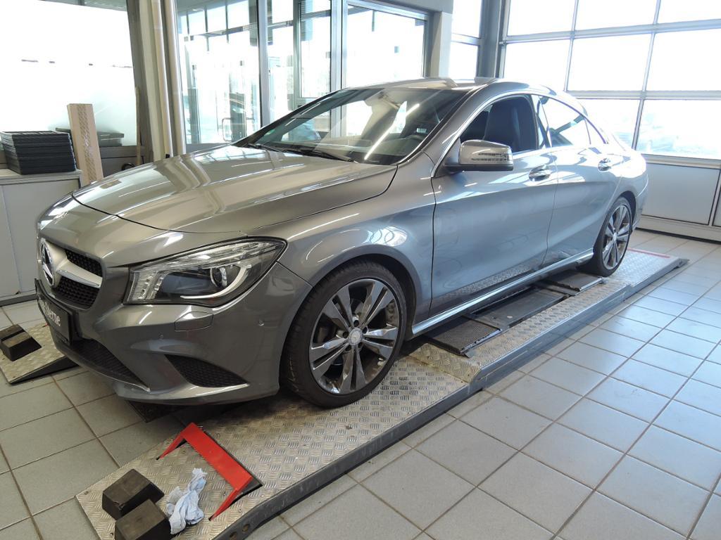 Mercedes-Benz CLA 200 Coupé Urban/18''/Bi-Xenon/Park-Pilot/, Jahr 2013, petrol
