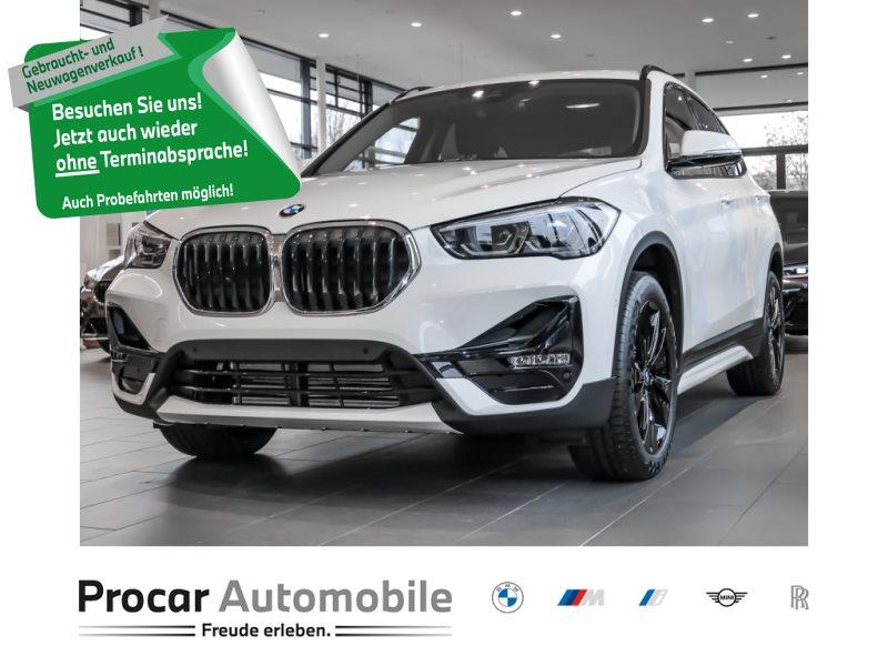 BMW X1 sDrive18i Sport Line HiFi DAB LED Navi Shz, Jahr 2021, Benzin