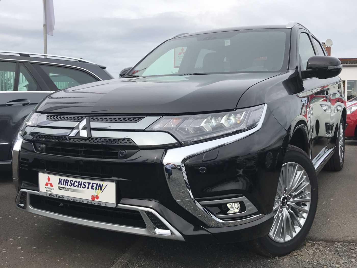 Mitsubishi Plug-in Hybrid Outlander 2.4 Intro WR Navi Standheizung, Jahr 2019, Elektro