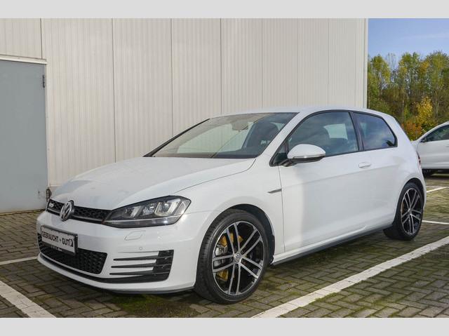 Volkswagen Golf VII GTD 2.0 TDI DSG Navi Xenon PDC Klima, Jahr 2013, Diesel
