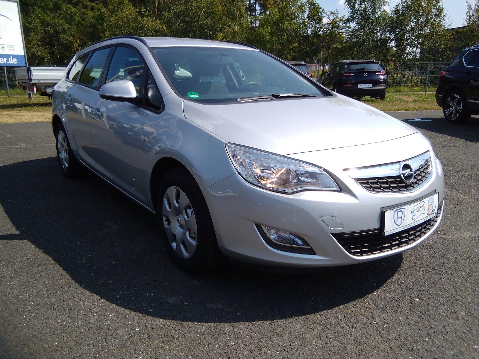 Opel Astra J Sports Tourer Selection 1.4 |KLIMA|CD|, Jahr 2012, Benzin