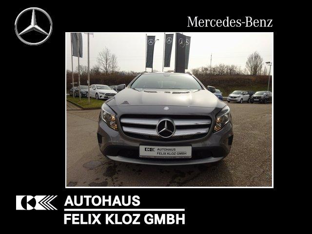 Mercedes-Benz GLA 200 Style Navi PDC Tempomat Automatik, Jahr 2014, Benzin