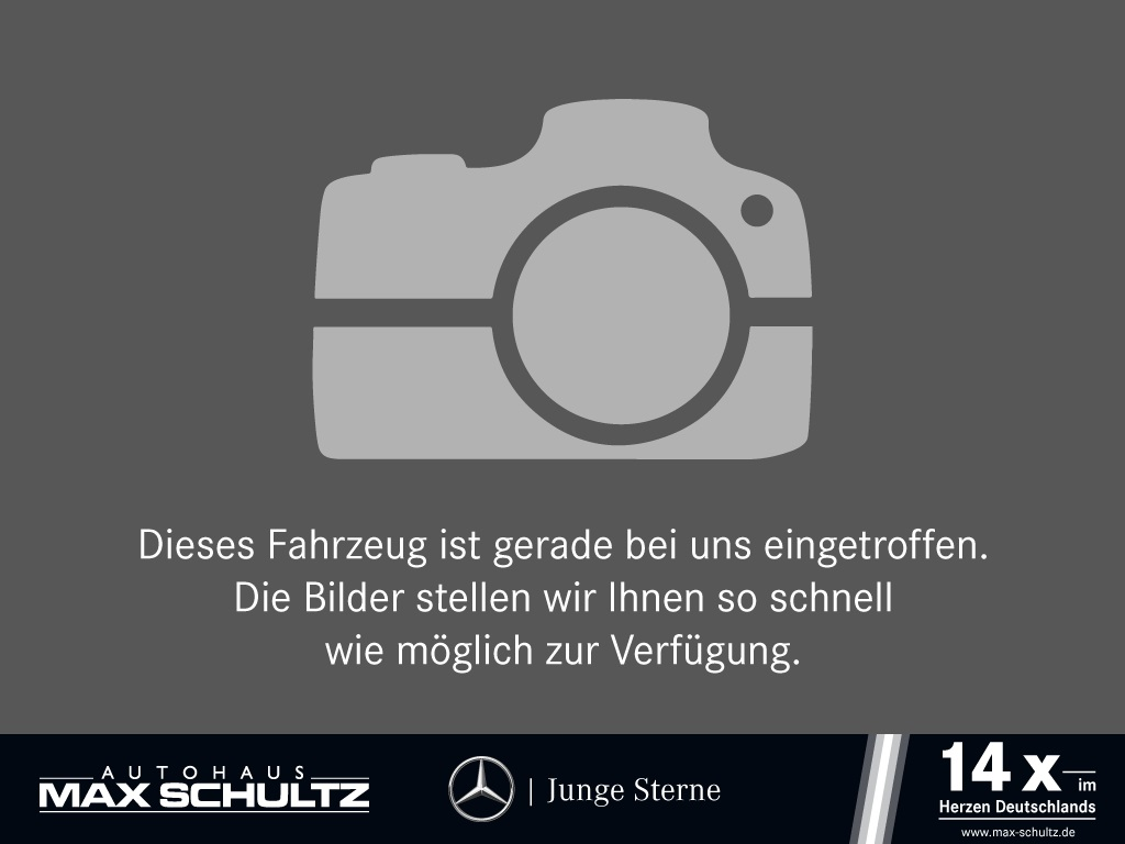 Mercedes-Benz GLA 220 d 4MATIC Sport Utility Vehicle Style, Jahr 2016, Diesel