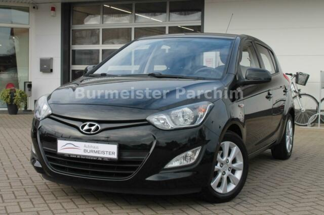 Hyundai i20 1.2 +MFL+ALU+KLIMAA+SHZ, Jahr 2012, Benzin