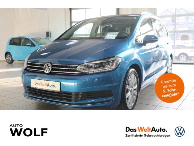 Volkswagen Touran United 1.5 TSI Start-Stopp EU6d-T LED Navi Keyless Kurvenlicht ACC Rückfahrkam., Jahr 2020, Benzin