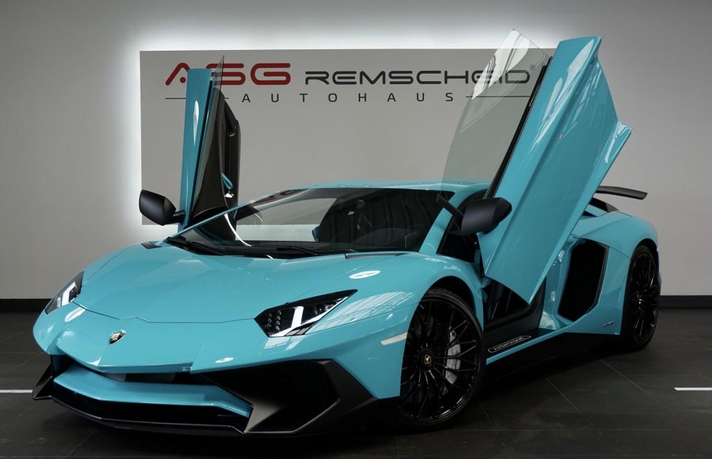 Lamborghini Aventador LP 750-4 Superveloce *700km *Dt. Fzg.*, Jahr 2016, Benzin