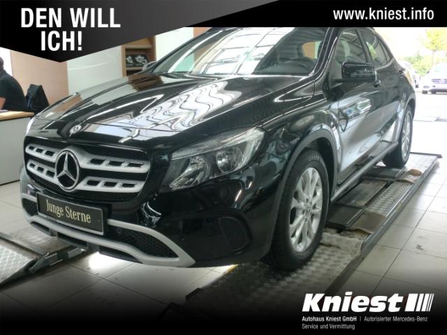 Mercedes-Benz GLA 180 Style+Navi+Business-Paket+aktiver Park-A, Jahr 2019, Benzin