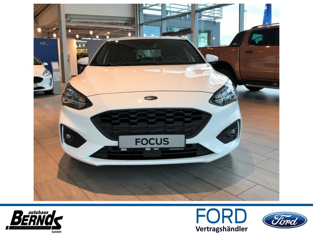 Ford Focus Limo ST-Line AUTO.* NAVI*RFK*LED*B&O*U.V.M, Jahr 2020, Benzin