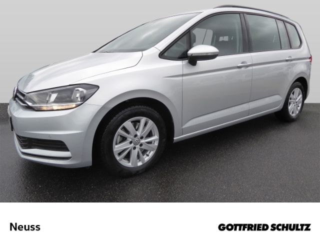 Volkswagen Touran 1.5 TSI NAVI PDCvo.&hi. 7SITZER ACC AHK DSG Comfortline, Jahr 2020, Benzin