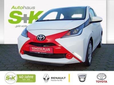 Toyota Aygo 1.0 l 3-Türer x-play, Jahr 2015, Benzin