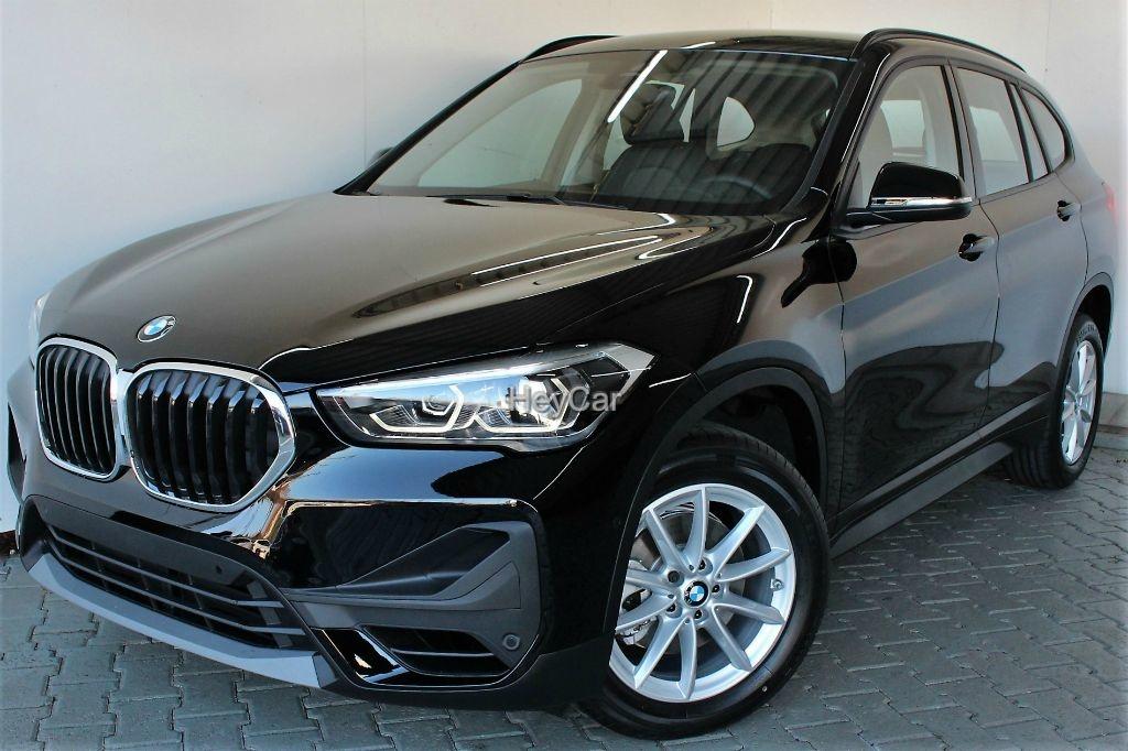 BMW X1 sDrive18i Sport LED Navi DKG HiFi Driving Ass, Jahr 2020, Benzin