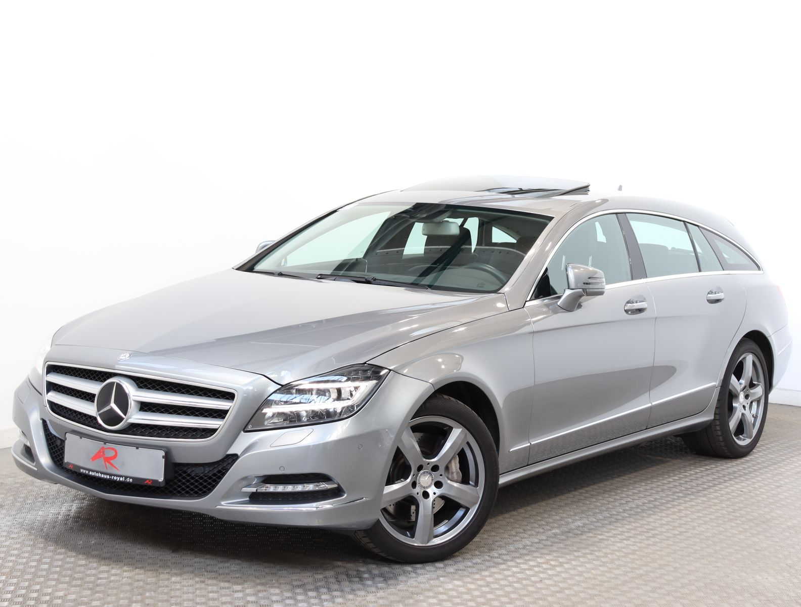 Mercedes-Benz CLS 350 Shooting Brake SPORTPAKET AIRMATIC,AHK, Jahr 2012, Benzin
