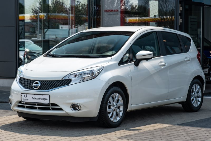 Nissan Note Tekna+Klimaauto+Navi+360°+Totwinkel++1-Hand+12Monate Garantie, Jahr 2013, Benzin