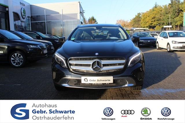 Mercedes-Benz GLA 180 Urban Sitzheizung Xenon, Jahr 2015, petrol