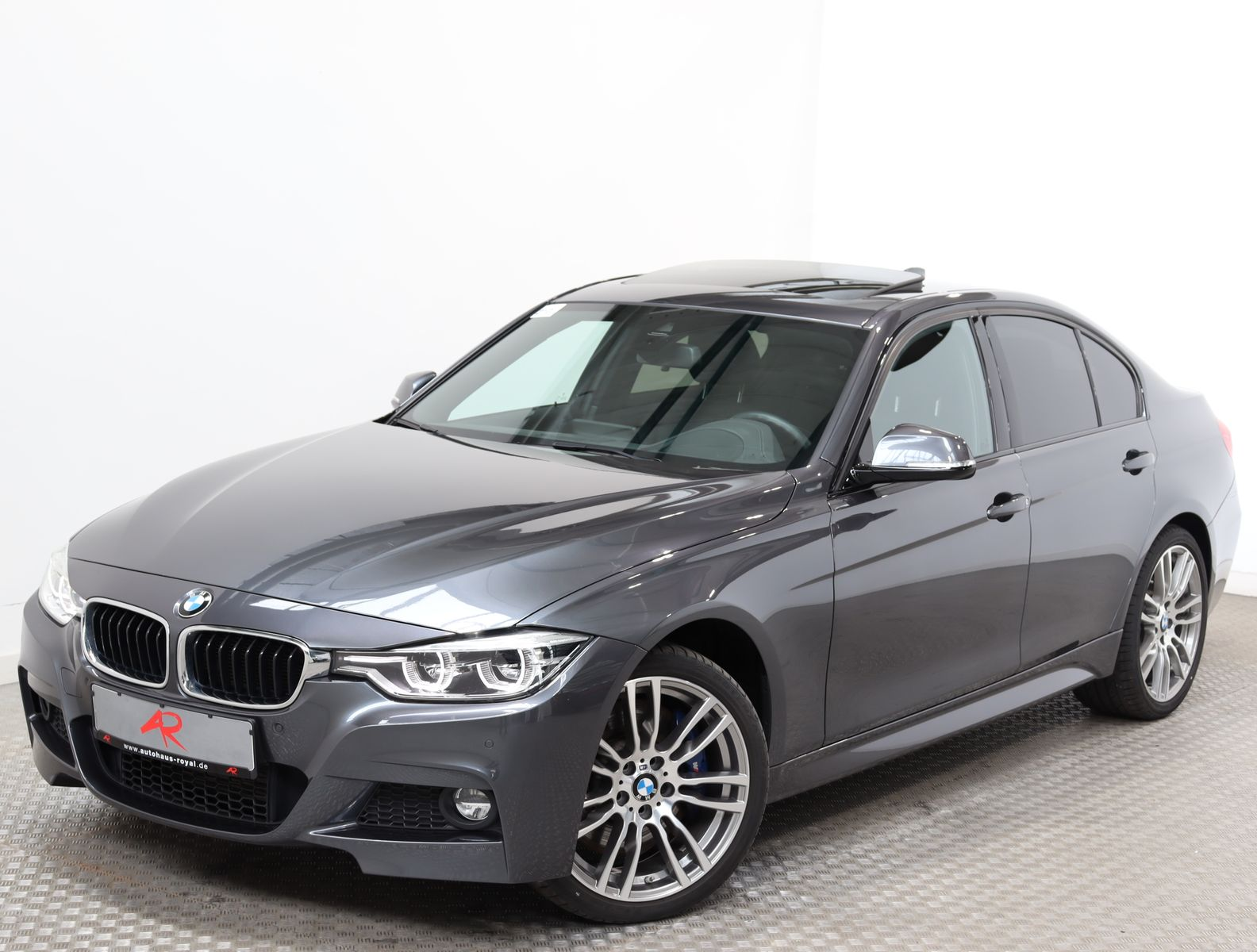 BMW 330 d xDrive M SPORT KEYLESS,HARMAN/K,LENRKADHZ, Jahr 2017, Diesel