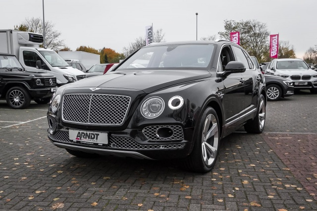 Bentley Bentayga W12 Akrapovi? HUD ACC Night NAIM 360, Jahr 2018, Benzin