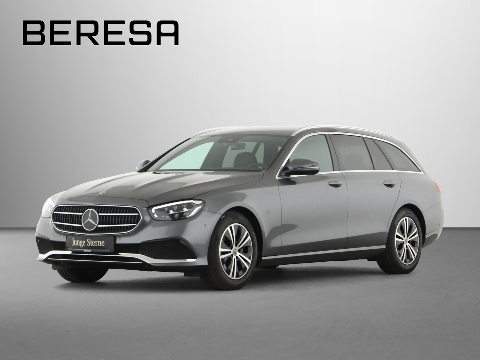 Mercedes-Benz E 220 d T Avantgarde LED AHK Kamera PDC, Jahr 2020, Diesel