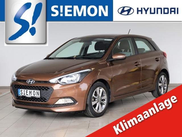 Hyundai i20 1.2 YES! Silver Klima SHZ PDC behLenkrad, Jahr 2015, Benzin