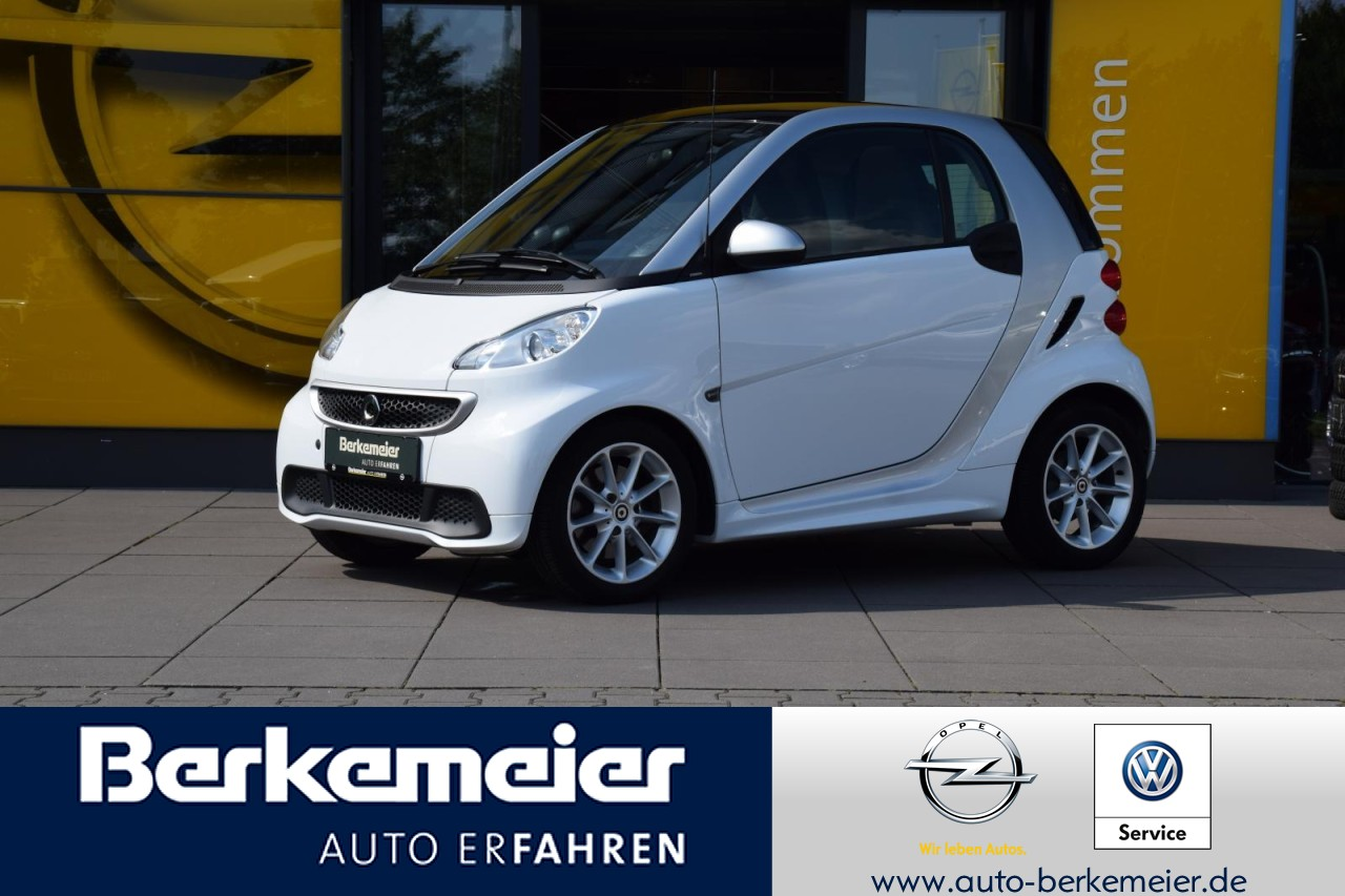 smart Fortwo Coupe Passion 1.0 **Panoramadach/SHZ/Klima****, Jahr 2014, Benzin