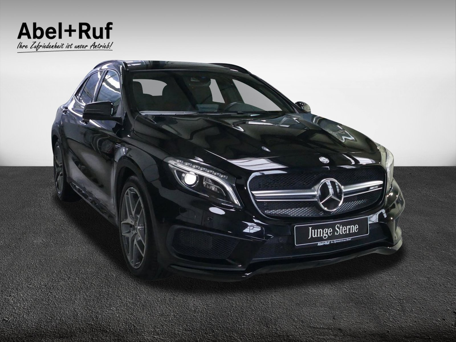 Mercedes-Benz GLA 45 AMG 4M Distr.+Spur+Comand+Rück.Kamera+ILS, Jahr 2016, Benzin